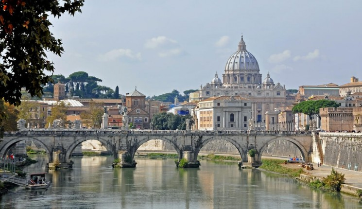 Roma : Italy-0738 - Crossing the Tiber